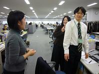釧路の男を囲む2.JPG