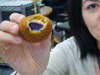 愛媛から紫芋.JPG