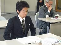 新人S氏カチコチ.JPG
