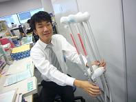 松葉杖ポーズ.JPG