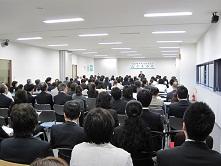 発表会会場バック.jpg