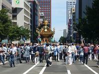 神輿道庁前.JPG