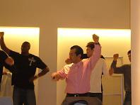 踊る代表.JPG