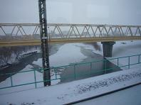車窓から橋.JPG