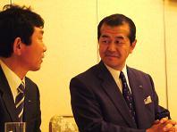 2008.11投資家説明会代表&中川氏.JPG