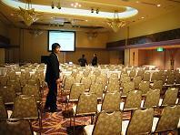 2008.11投資家説明会設営.JPG