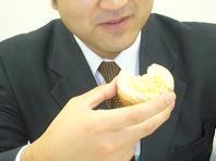 2009.5イノダかじり.JPG