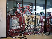 Mカフェ 高級自転車.JPG